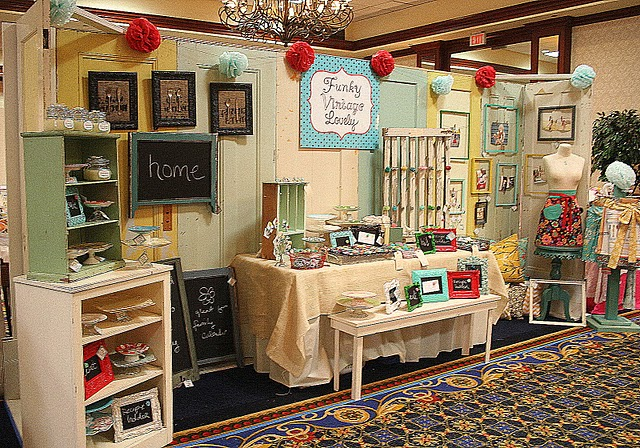 Craft show booth set up ideas goldenfingers for How to set up a booth at a craft show