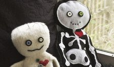 Halloween-Crafts-Felted-Mummy-Doll featured article 628x371