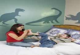 Easy to make kid's bedroom mural